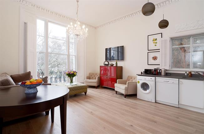 £3,878  per Calendar Month (Calculated), 2 Bedroom Flat To Rent in London, W11