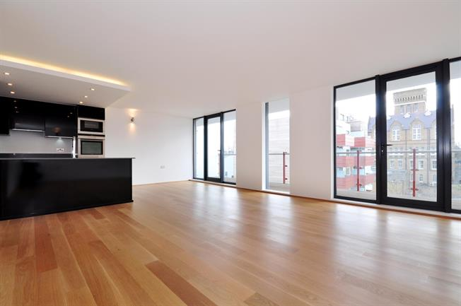 £2,708  per Calendar Month (Calculated), 2 Bedroom Flat To Rent in London, W10