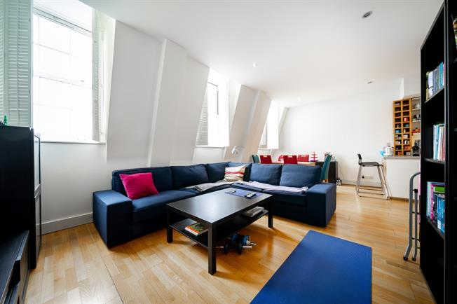 £4,116  per Calendar Month (Calculated), 3 Bedroom Flat To Rent in London, W2