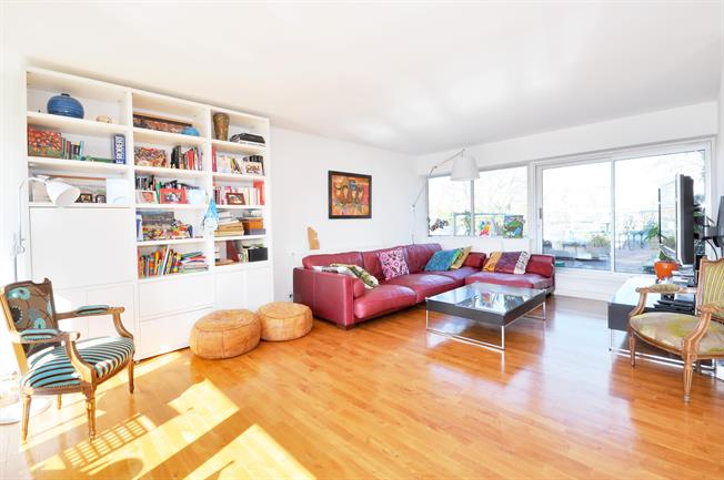 £3,011  per Calendar Month (Calculated), 2 Bedroom Apartment To Rent in London, W2