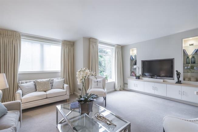 £6,500  per Calendar Month (Calculated), 6 Bedroom House To Rent in London, W2