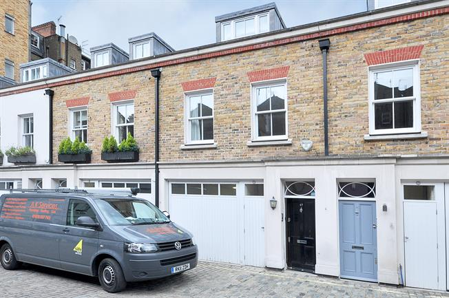 £5,200  per Calendar Month (Calculated), 4 Bedroom Mews House To Rent in London, W2