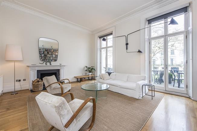 £4,766  per Calendar Month (Calculated), 2 Bedroom Flat To Rent in London, W2