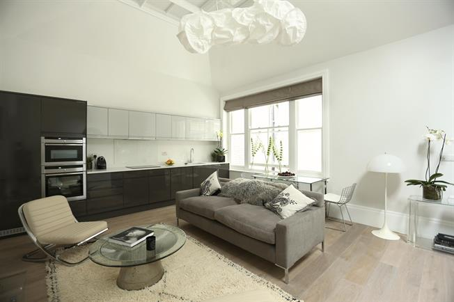 £8,341  per Calendar Month (Calculated), 1 Bedroom Apartment To Rent in London, W1G