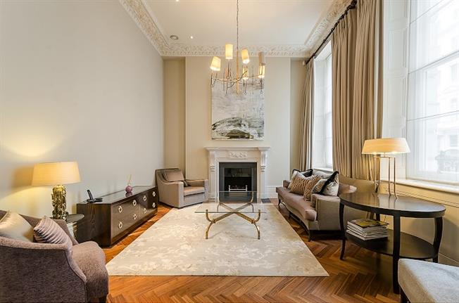 £7,496  per Calendar Month (Calculated), 2 Bedroom Duplex Apartment To Rent in London, W2