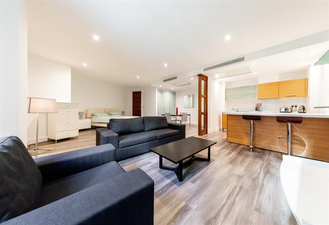 £1,906  per Calendar Month (Calculated), Apartment To Rent in London, W2
