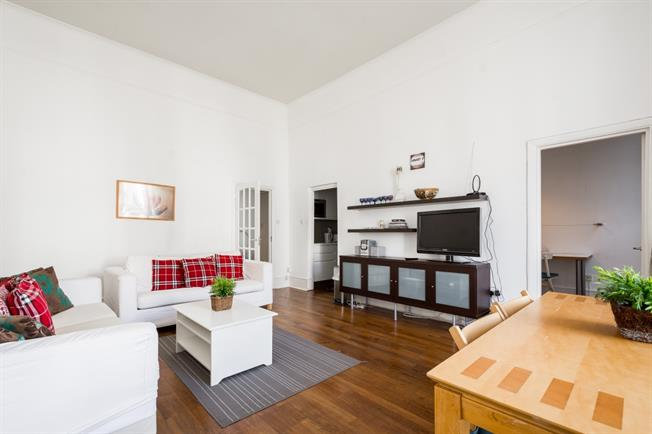 £3,878  per Calendar Month (Calculated), 2 Bedroom Apartment To Rent in London, W2