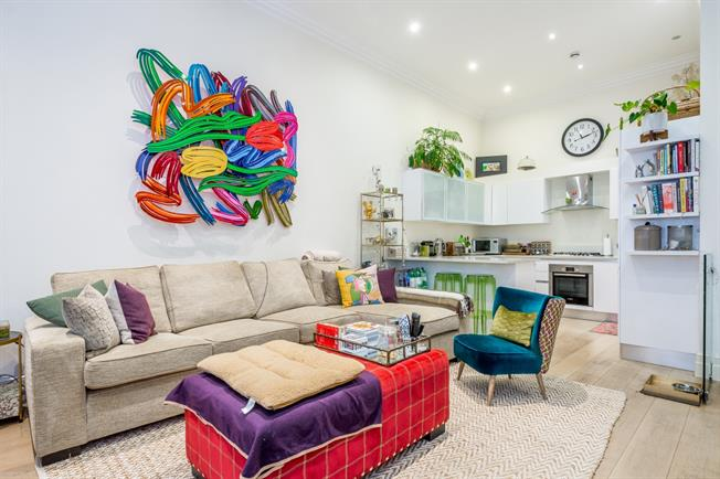 £4,766  per Calendar Month (Calculated), 3 Bedroom Duplex Apartment To Rent in London, W2