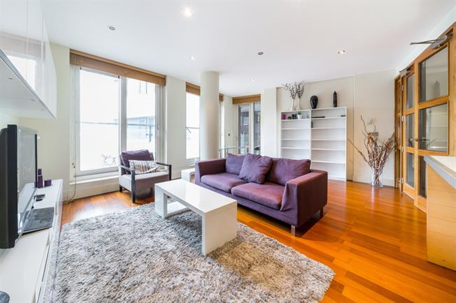 £5,633  per Calendar Month (Calculated), 3 Bedroom Apartment To Rent in London, W2
