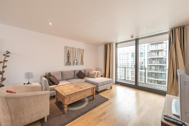 £2,383  per Calendar Month (Calculated), 1 Bedroom Apartment To Rent in London, W2