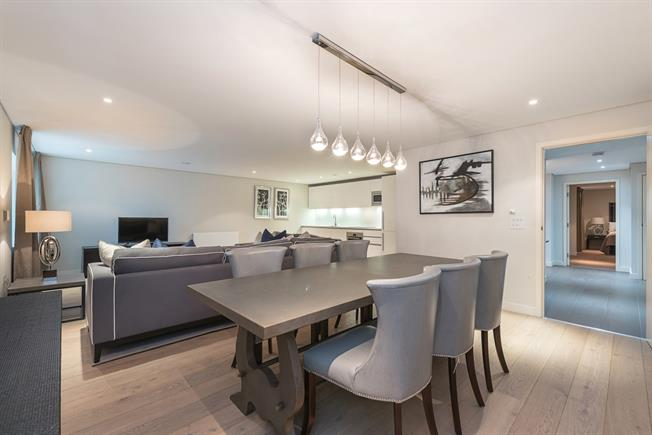 £6,716  per Calendar Month (Calculated), 3 Bedroom Apartment To Rent in London, W2