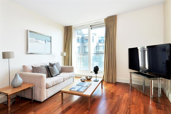 £2,253  per Calendar Month (Calculated), 1 Bedroom Apartment To Rent in London, W2