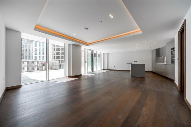 £5,416  per Calendar Month (Calculated), 3 Bedroom Apartment To Rent in London, W2