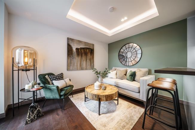 £2,708  per Calendar Month (Calculated), 1 Bedroom Apartment To Rent in London, W2