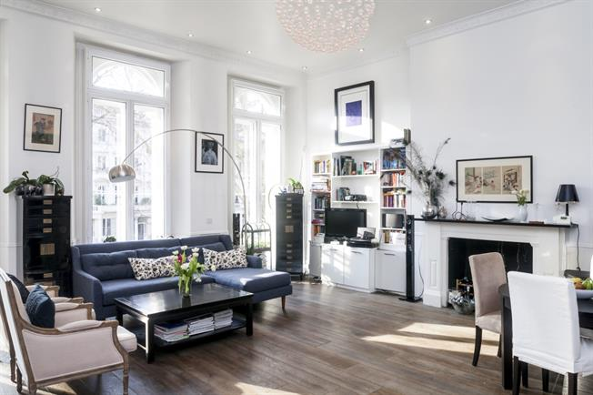 £2,747  per Calendar Month (Calculated), 1 Bedroom Apartment To Rent in London, W2