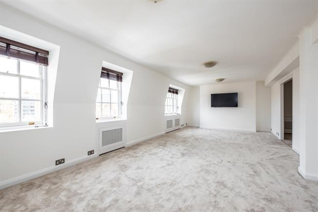 £4,311  per Calendar Month (Calculated), 3 Bedroom Flat To Rent in London, W1H