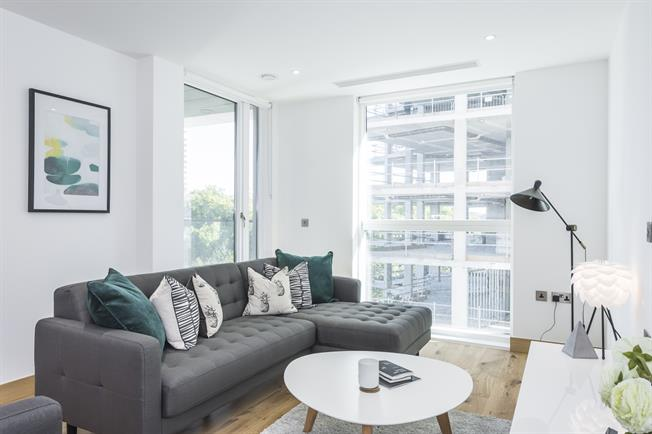 £2,730  per Calendar Month (Calculated), 1 Bedroom Apartment To Rent in London, W2
