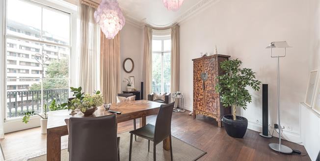 £3,141  per Calendar Month (Calculated), 3 Bedroom Flat To Rent in London, W2