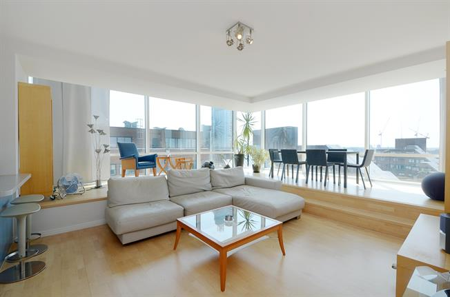 £3,878  per Calendar Month (Calculated), 2 Bedroom Flat To Rent in London, SW1V