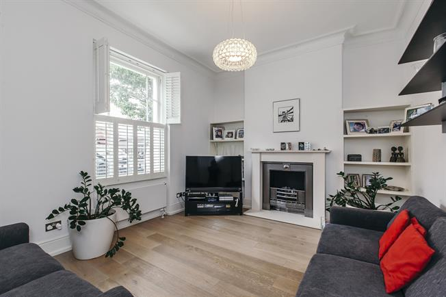 £3,878  per Calendar Month (Calculated), 3 Bedroom Terraced House To Rent in London, SW1V