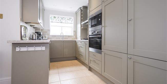 £4,311  per Calendar Month (Calculated), 3 Bedroom Penthouse To Rent in London, SW1P