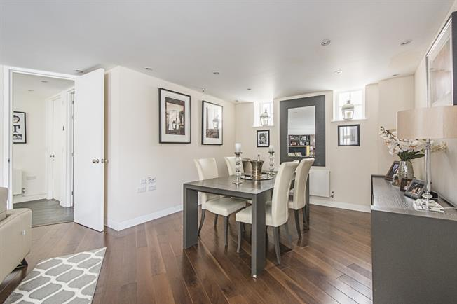 £4,983  per Calendar Month (Calculated), 4 Bedroom Mews House To Rent in London, SW1V