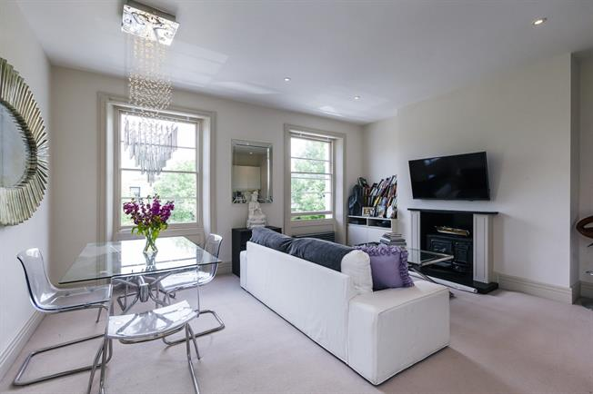 £5,416  per Calendar Month (Calculated), 3 Bedroom Flat To Rent in London, SW1V