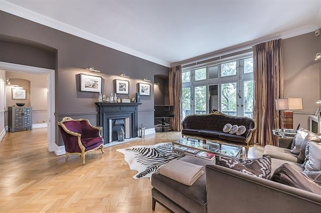 £6,478  per Calendar Month (Calculated), 3 Bedroom Flat To Rent in London, SW1A