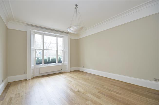 £6,478  per Calendar Month (Calculated), 3 Bedroom Apartment To Rent in London, SW1V