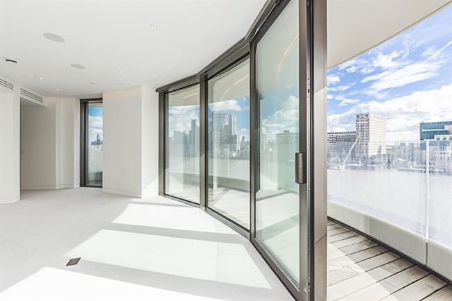 £14,711  per Calendar Month (Calculated), 3 Bedroom Apartment To Rent in London, SW1P