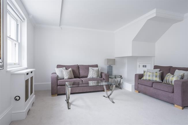 £2,686  per Calendar Month (Calculated), 2 Bedroom Flat To Rent in London, SW1V