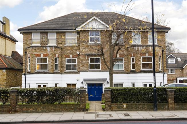 £2,000 per Calendar Month, 2 Bedroom Apartment To Rent in London, SW15