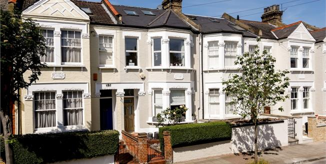 £3,599 per Calendar Month, 5 Bedroom House To Rent in London, SW15