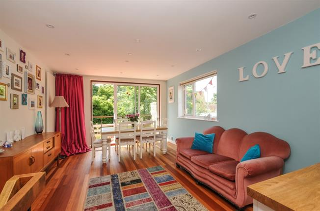 £3,000 per Calendar Month, 4 Bedroom House To Rent in London, SW15