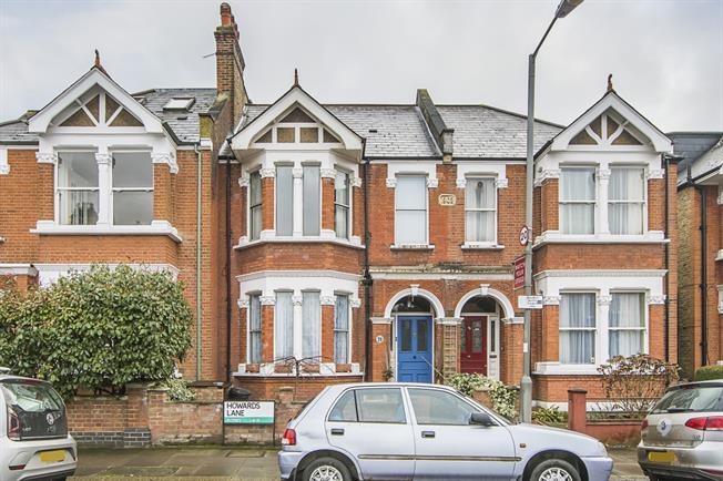 £1,600 per Calendar Month, 2 Bedroom Flat To Rent in London, SW15