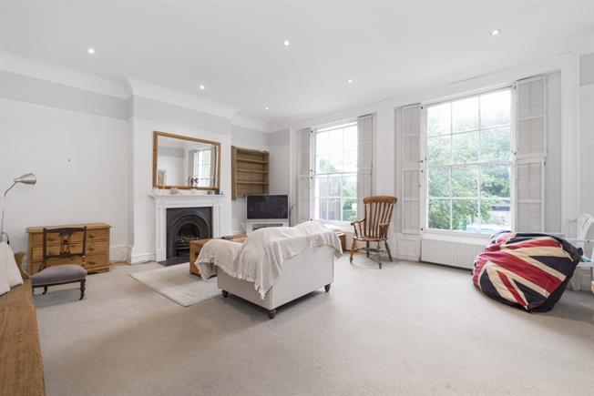 £1,850 per Calendar Month, 2 Bedroom Apartment To Rent in London, SW18