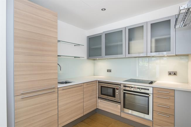 £2,100 per Calendar Month, 2 Bedroom Flat To Rent in London, SW18