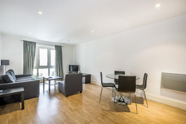 £2,150 per Calendar Month, 2 Bedroom Flat To Rent in London, SW15