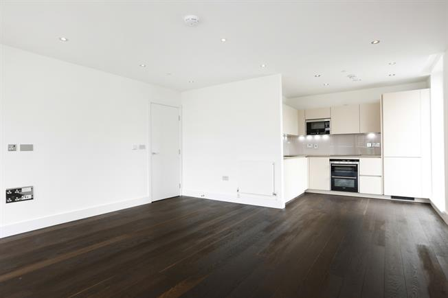 £2,200 per Calendar Month, 2 Bedroom Apartment To Rent in London, SW15