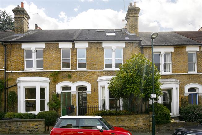 £3,500 per Calendar Month, 4 Bedroom Terraced House To Rent in Richmond, TW10