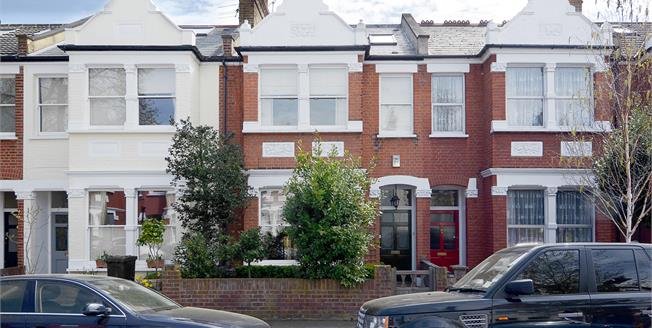 £3,950 per Calendar Month, 4 Bedroom House To Rent in Richmond, TW9