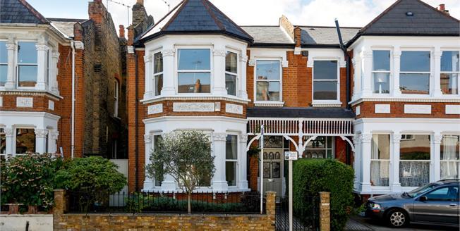 £3,995 per Calendar Month, 4 Bedroom House To Rent in Twickenham, TW1