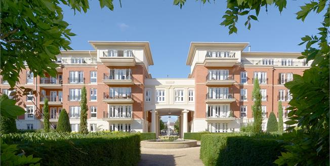 £3,500 per Calendar Month, 3 Bedroom Apartment To Rent in Twickenham, TW1