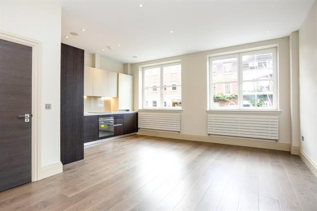 £2,500 per Calendar Month, 2 Bedroom Flat To Rent in Richmond, TW9