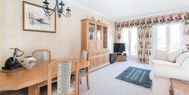 £2,500 per Calendar Month, 2 Bedroom Apartment To Rent in Twickenham, TW1