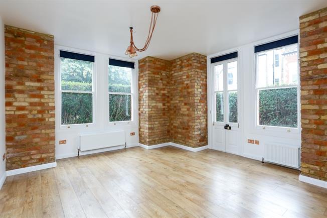 £1,400 per Calendar Month, Flat To Rent in Richmond, TW10