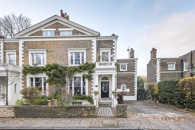 £12,500 per Calendar Month, 7 Bedroom House To Rent in Richmond, TW9