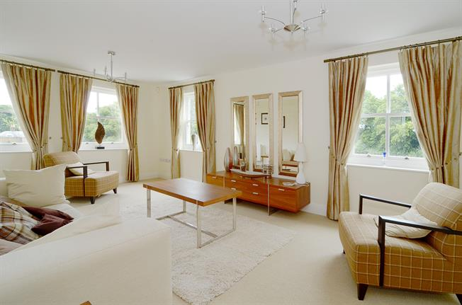 £1,950 per Calendar Month, 2 Bedroom Apartment To Rent in Richmond, TW10