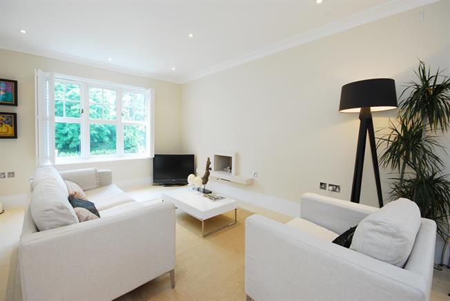 £2,000 per Calendar Month, 2 Bedroom Apartment To Rent in Twickenham, TW1