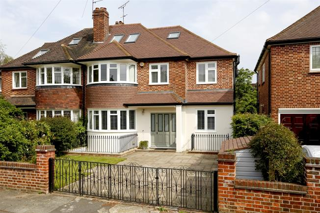 £8,500 per Calendar Month, 6 Bedroom House To Rent in Richmond, TW10